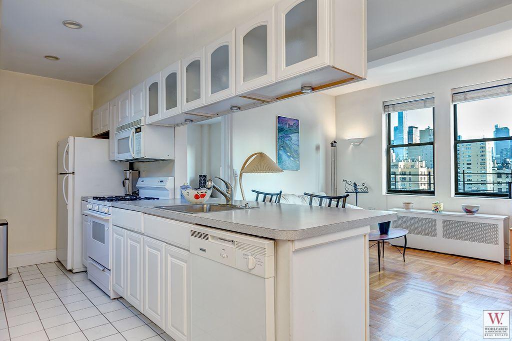 20 West 72nd Kitchen