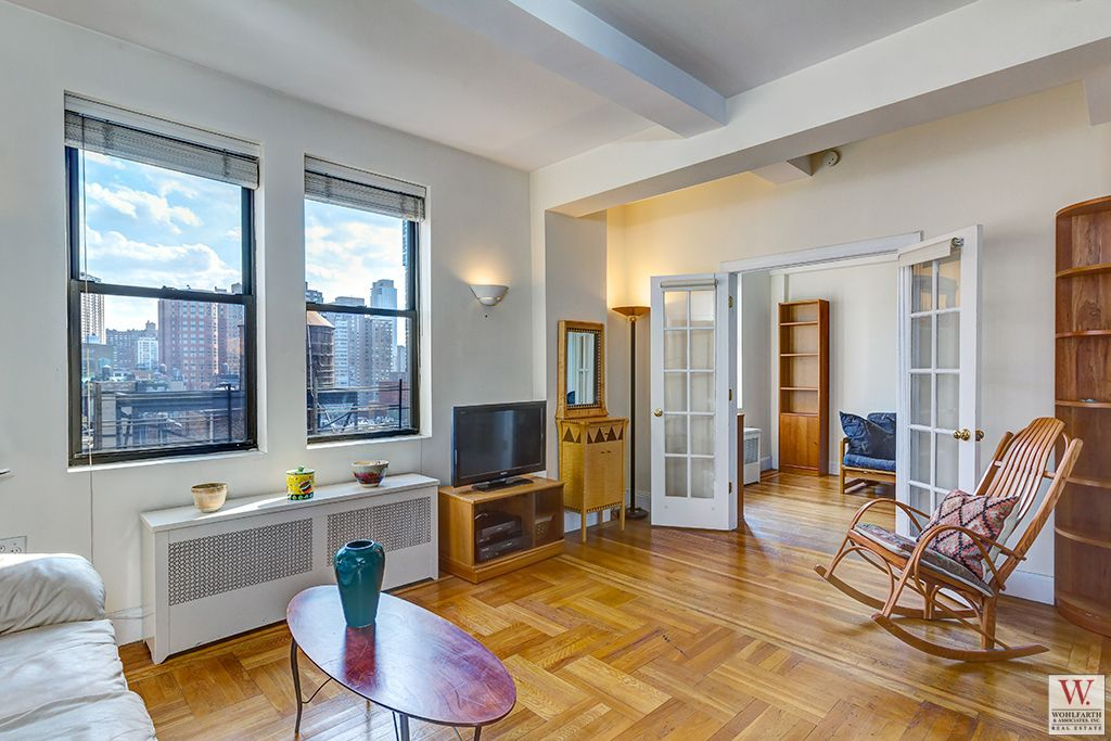20 West 72nd Livingroom