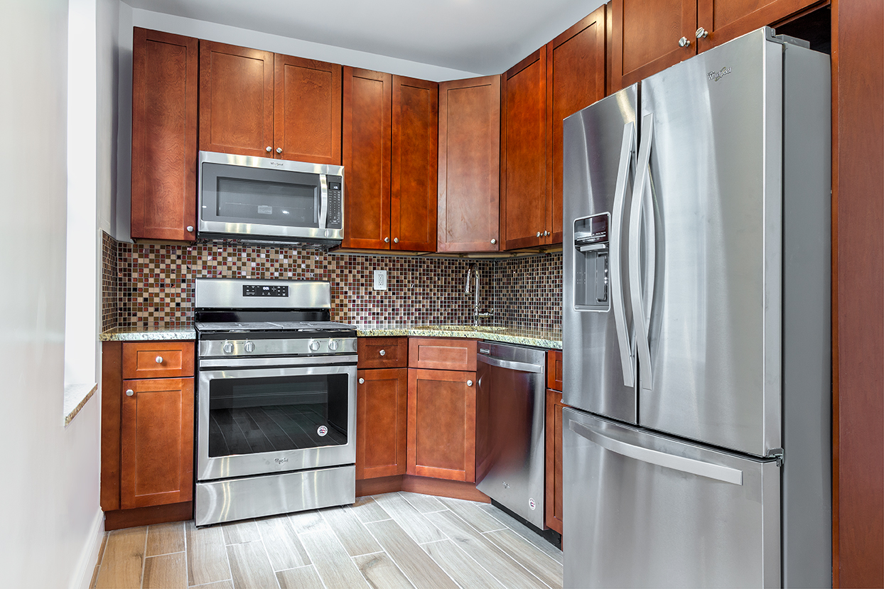 222-East-82nd-6H-Kitchen