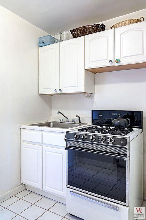 268 East Broadway Kitchen