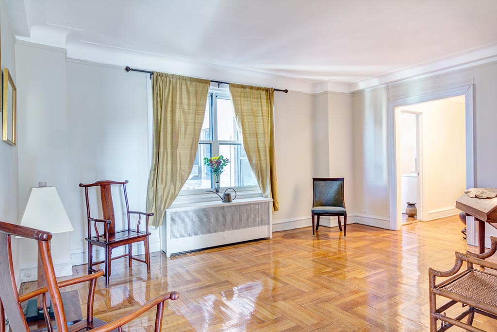 300-West-108th-8D–Livroom-web