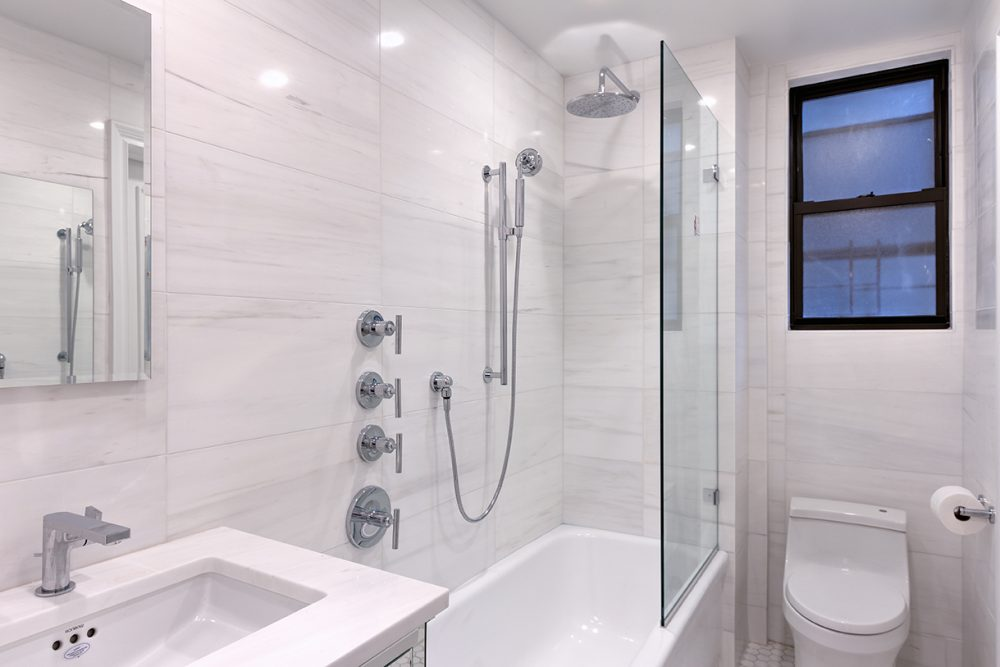 890-West-End-2A-Master-Bath