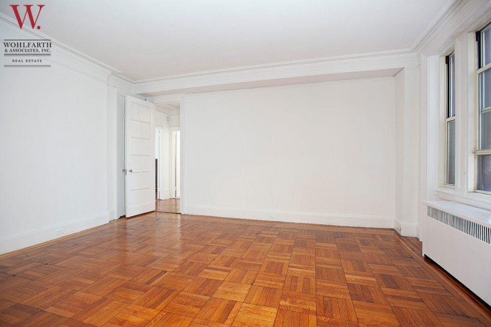West_End_Avenue_895_9C_Living_Room_