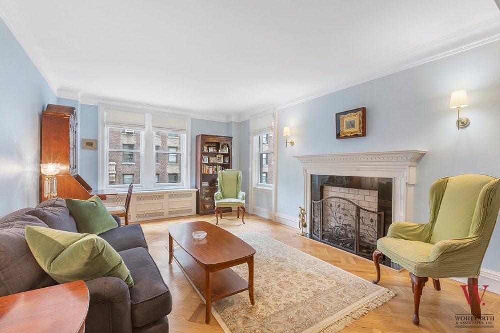 890-West-Ende-Ave-7B—Living-Room