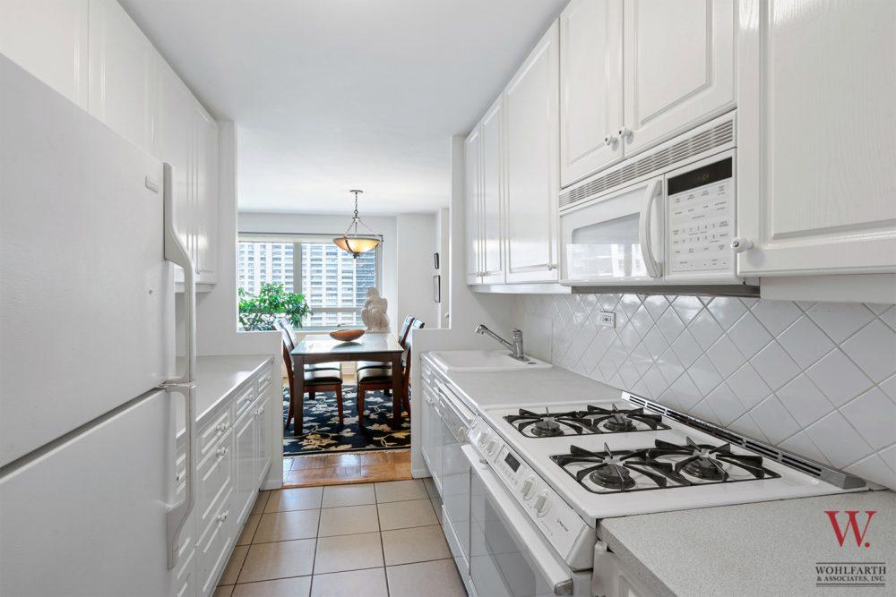 170WEA_11E-Kitchen