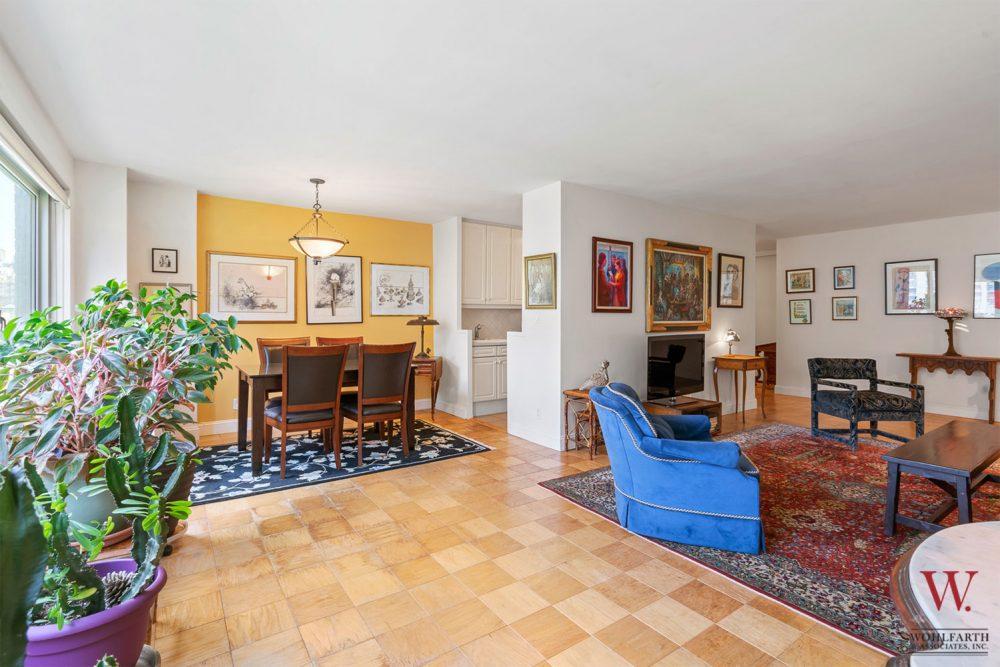 170WEA_11E-Living Room