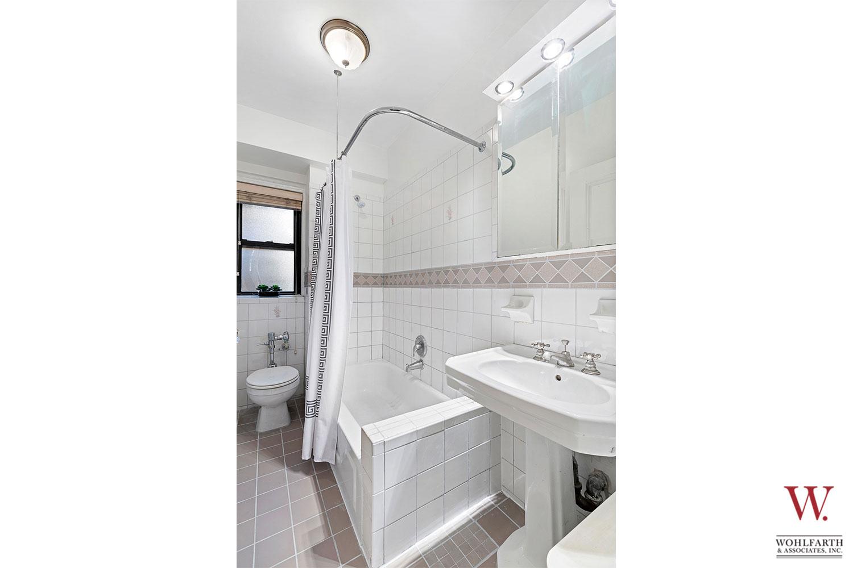 890-West-End-Avenue—Master-Bath
